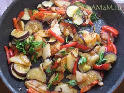 Картофель с грибами и баклажанами в духовке рецепт с фото