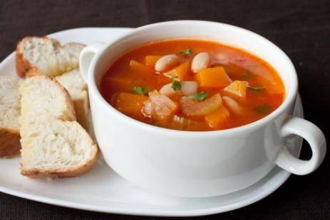 Суп из томатов и белой фасоли по-итальянски