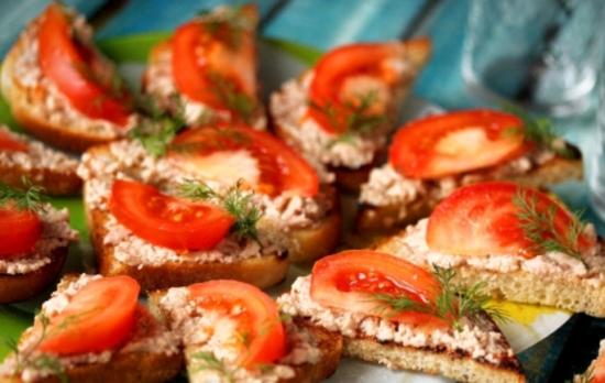 Простые рецепты бутербродов с печенью трески на праздничный стол