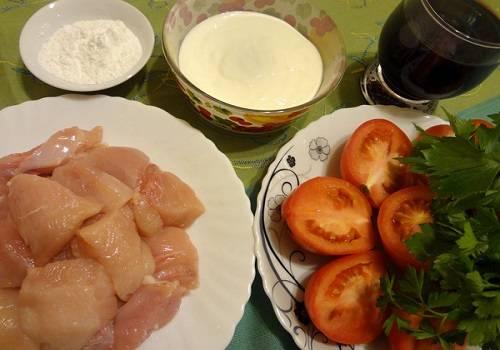 Легкий рецепт куриного филе с грибами в винном соусе