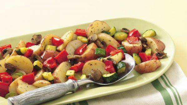 Картошка, запечённая в духовке с овощами за 30 минут