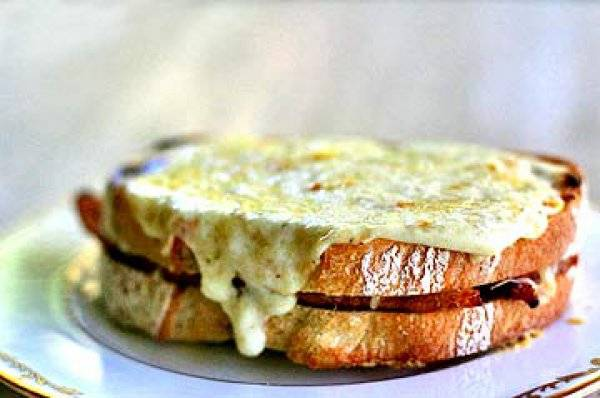 Бутерброды крок-месье на десерт (пошаговый рецепт с фото)