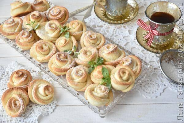 Простое пирожное из слоеного теста с творожным кремом и ягодами - рецепт с фотографиями - patee. рецепты
