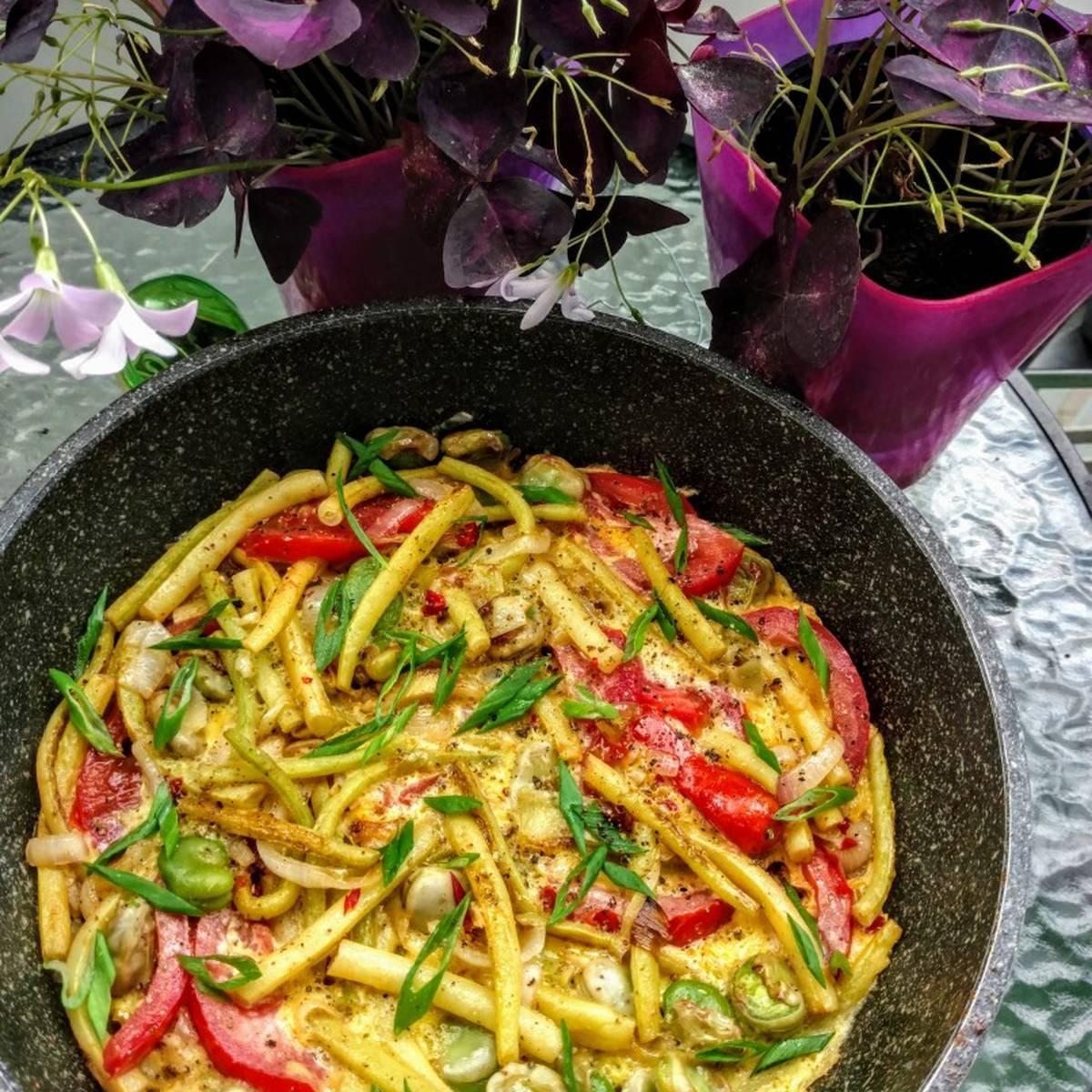 Рецепты приготовления замороженной стручковой фасоли: салат из спаржи, фасоль с мясом, тушенная с помидорами