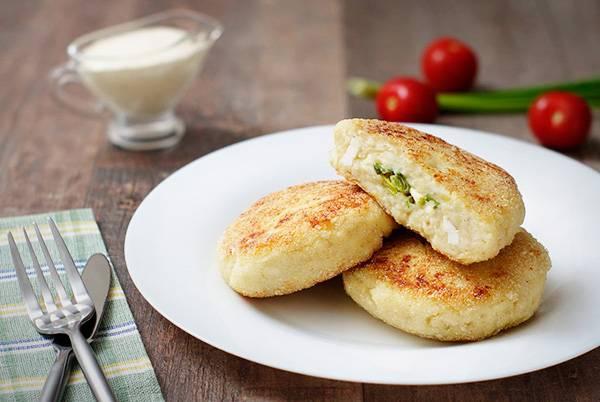 Картофельные зразы с грибами и овощами