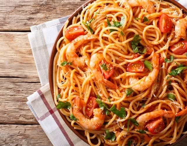 Салат с макаронами – оригинальные рецепты вкусного итальянского блюда