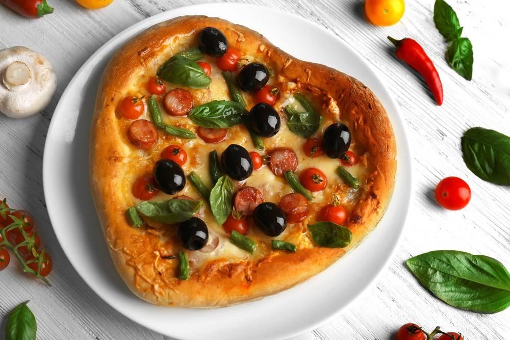 Быстрая пицца в форме сердца ко Дню Святого Валентина