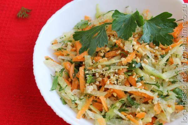 Легкий весенний салатик из зеленой редьки - быстрый, простой, вкусный