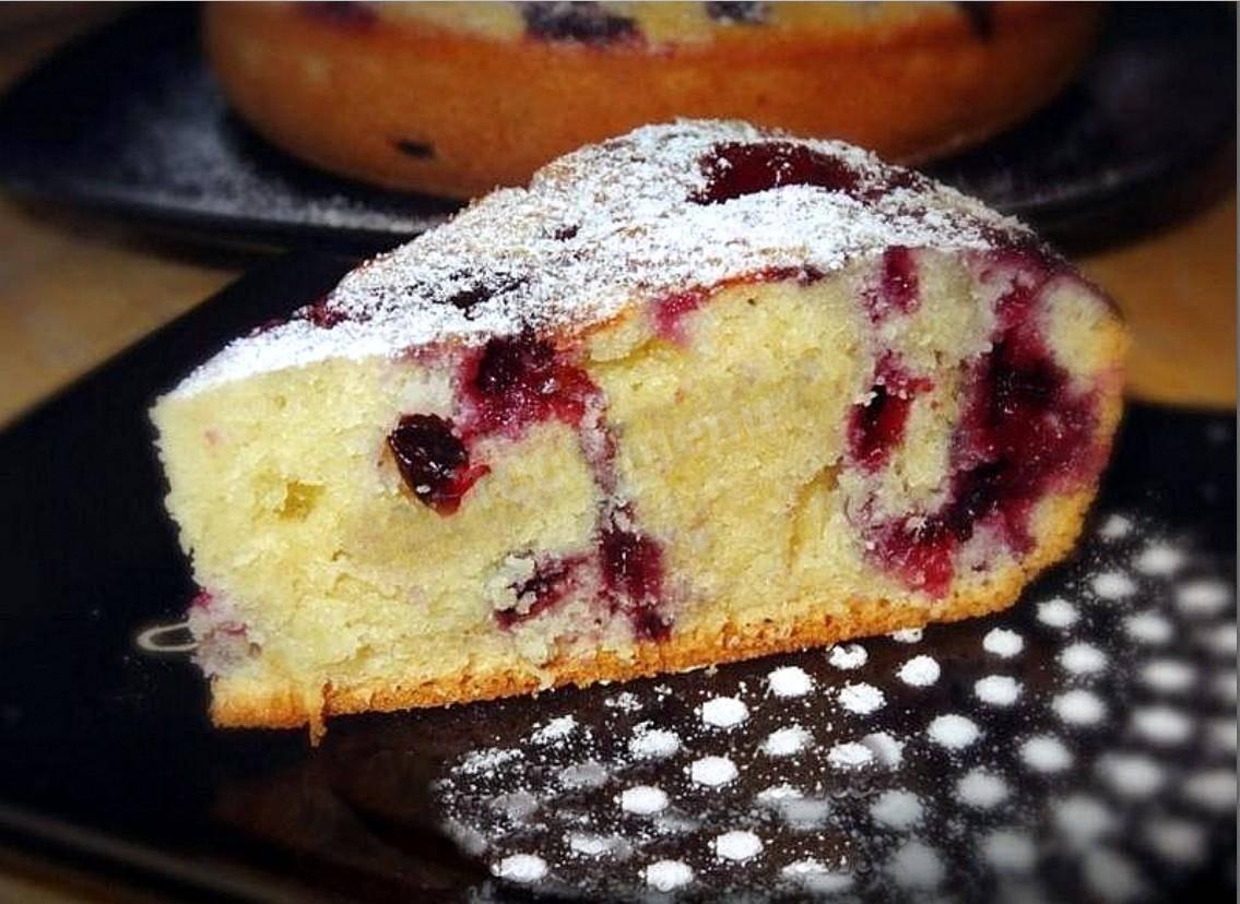 Как приготовить пирог с фруктами в мультиварке