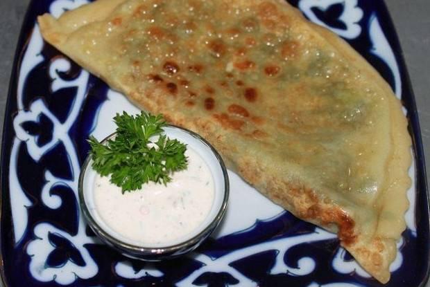 Кавказские хычины: пошаговые рецепты лепешек с начинкой. как приготовить сырные, мясные, картофельные хычины (пошагово)