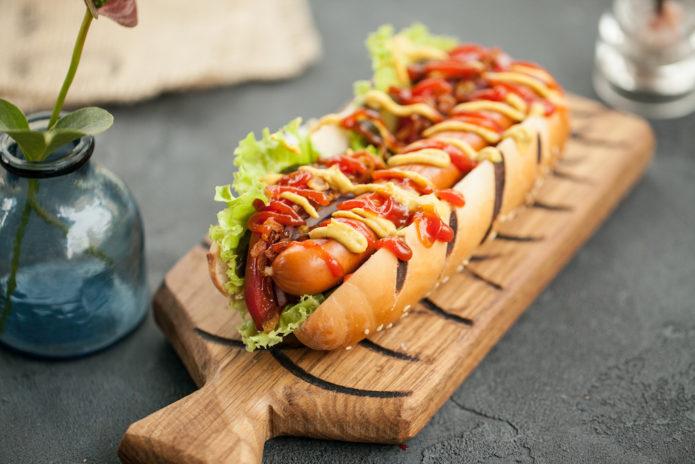 5 небанальных способов приготовить вкусный и сытный хот-дог