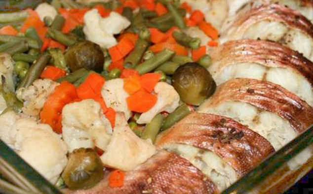 Пеленгас в духовке с овощами