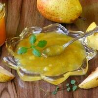 Карамелизованная груша на сковороде горячий десерт