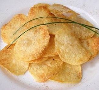 Картофельный чипсы в микроволновке