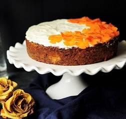 Бисквитный торт с киви и бананами