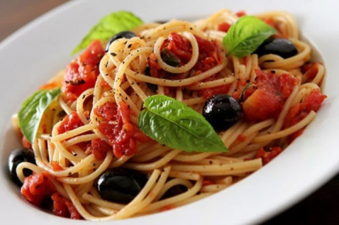 Спагетти с соусом маринара