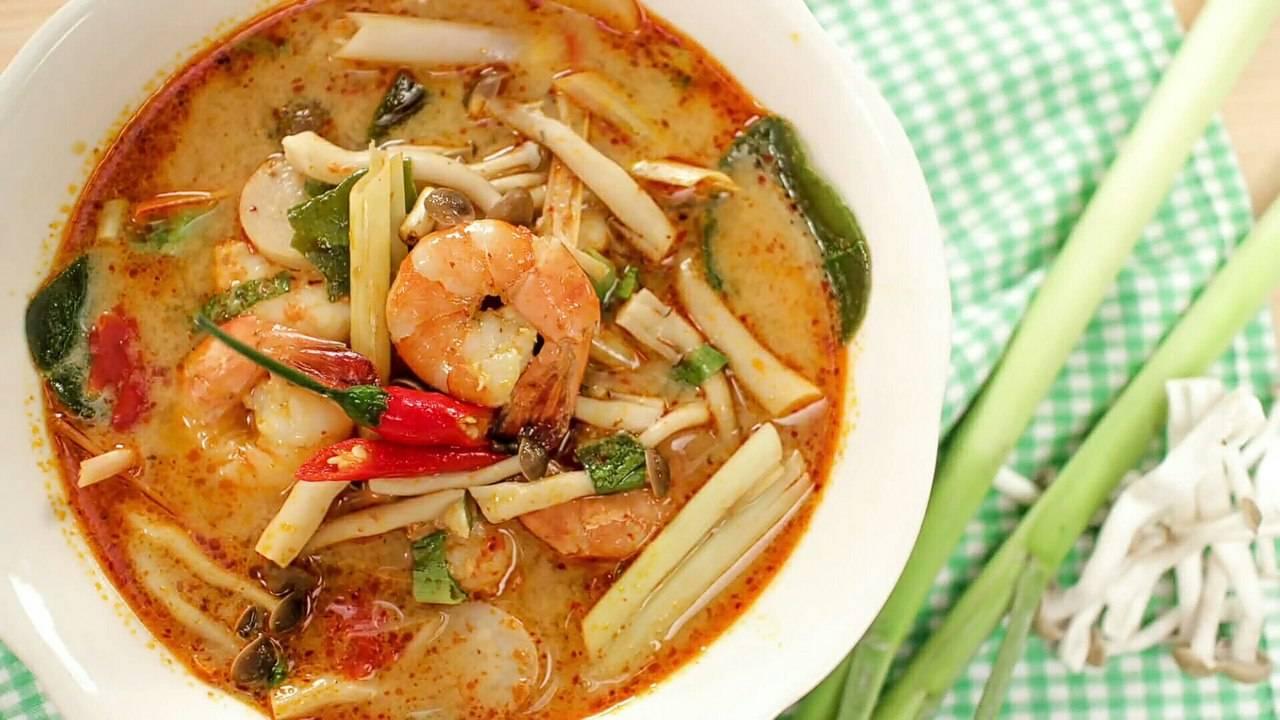 Острый суп том ям: 5 рецептов на любой вкус