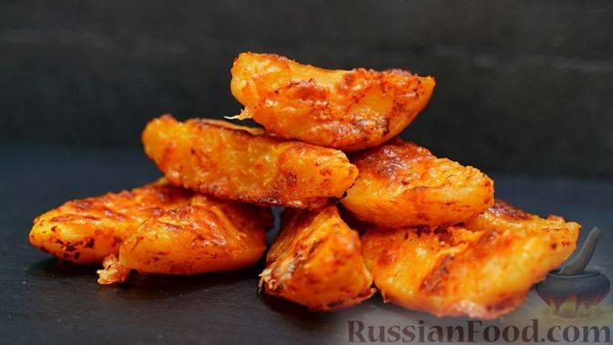 Нежный запеченный картофель в духовке с сыром: разные варианты