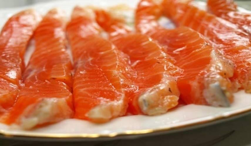 Как вкусно засолить красную рыбу в домашних условиях