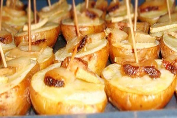Картошка с салом на шпажках в духовке - 10 пошаговых фото в рецепте