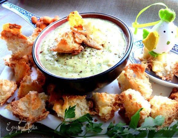Овощной суп-пюре с чесночными гренками