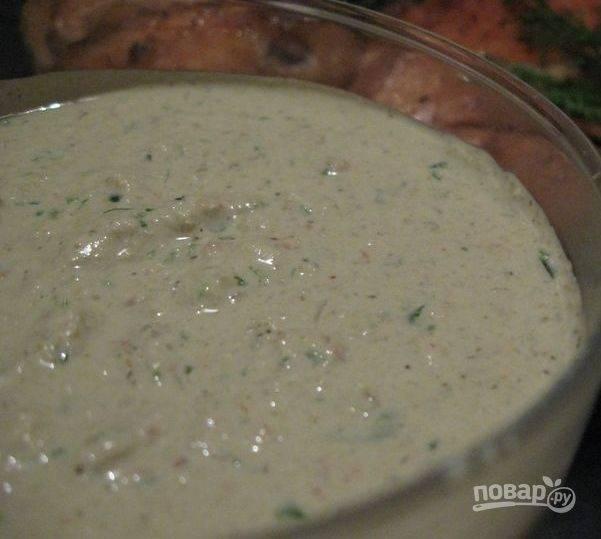 Творожный десерт со сливовым соусом