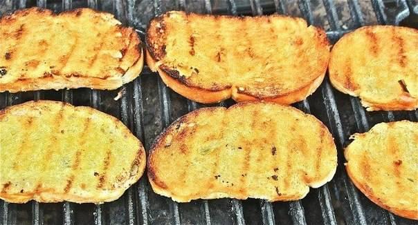 Гренки в духовке – 5 простых рецептов приготовления вкусных гренок