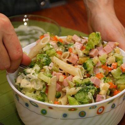 Итальянский салат с макаронами и ветчиной: рецепты, особенности приготовления и рекомендации