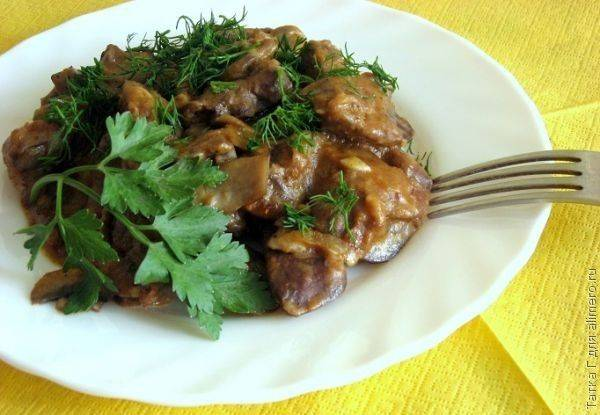 Куриная печень с грибами — простое и вкусное блюдо
