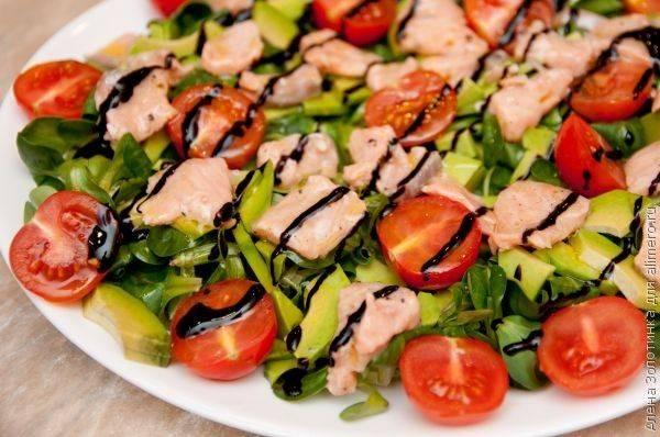 Салат с авокадо и помидорами — 8 вкусных и полезных рецептов