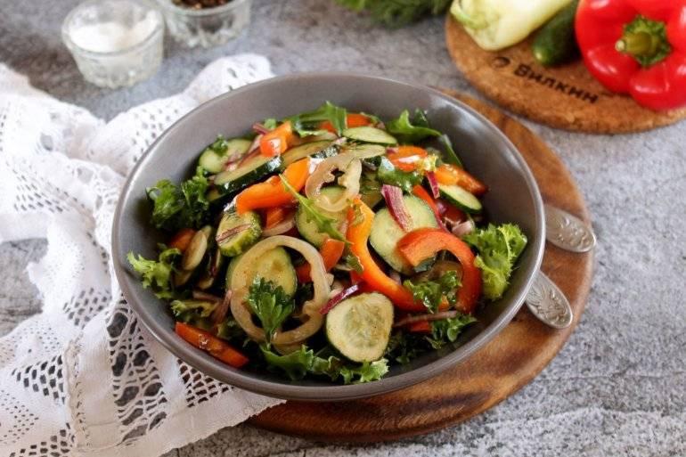 Овощной салат с помидорами, огурцами, перцем - 6 пошаговых фото в рецепте