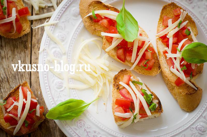 Брускетта с творожным сыром по итальянски