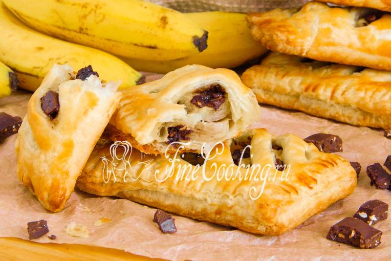 Изумительные слоеные булочки с вишней и сыром