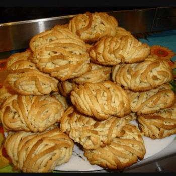 Как научиться готовить вкусное песочное печенье через мясорубку