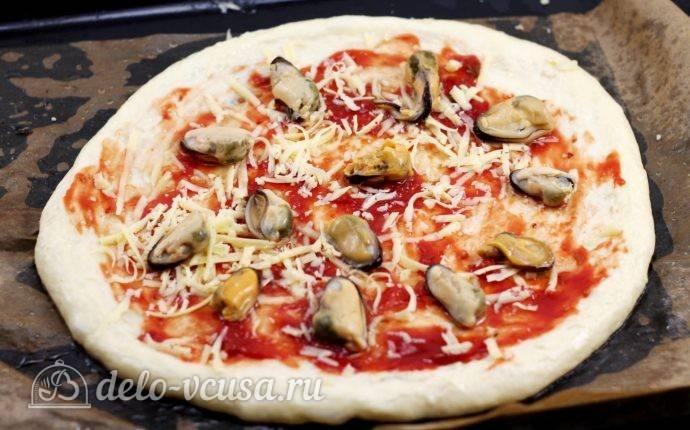 Пицца с мидиями и пицца с мясом