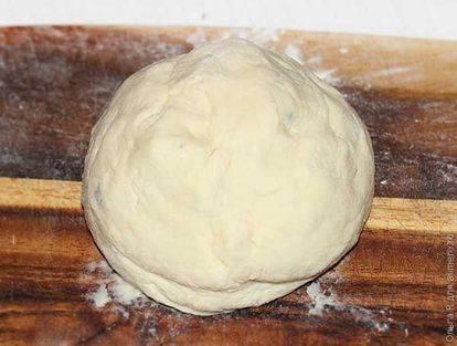 Картофельные ньокки на подушке из пряных колбасок и стручковой фасоли