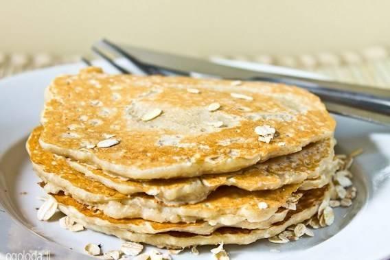 Банановые панкейки на молоке, кефире, с овсянкой и шоколадом - рецепты без муки или яиц