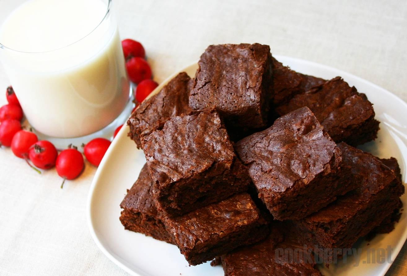 """Бисквит """"шоколадница"""" с карамельно-шоколадным ганашем"""
