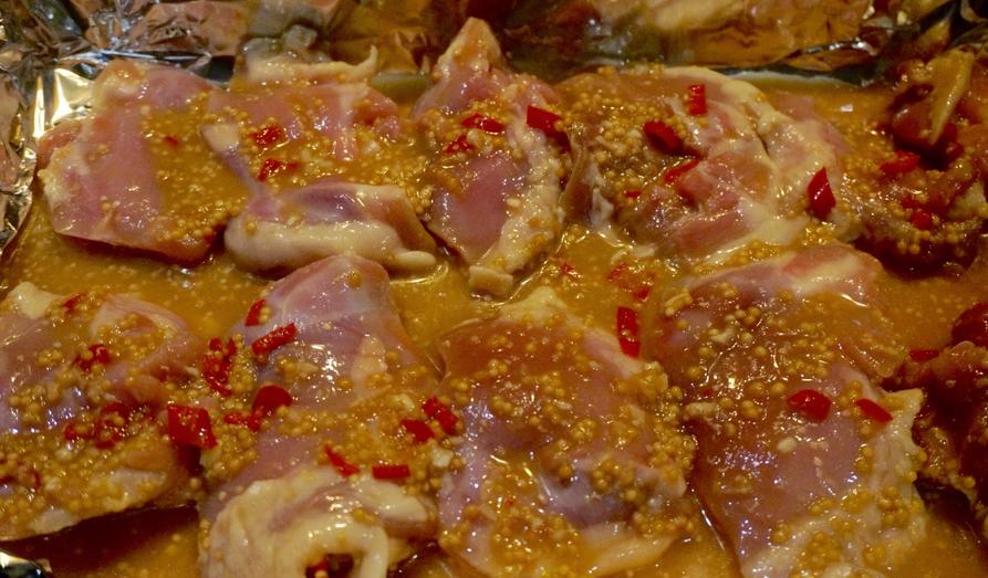 Куриные бедра, запеченные в духовке