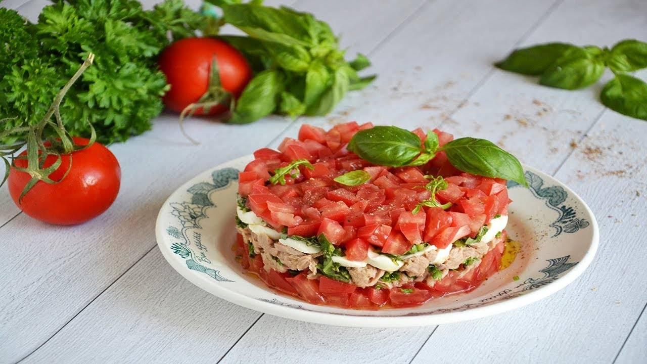 Изумительный салат из арбуза и помидоров за 25 минут
