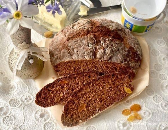 Пшеничный хлеб с орехами и изюмом