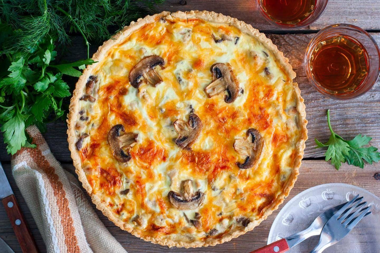 Лоранский пирог с курицей и грибами — 7 самых вкусных рецептов французского открытого пирога