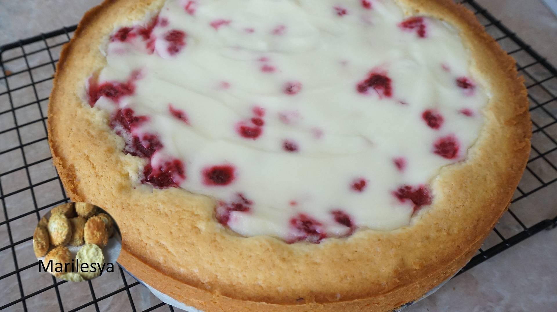 Рассыпчатый пирог со сливой в заливке - 10 пошаговых фото в рецепте