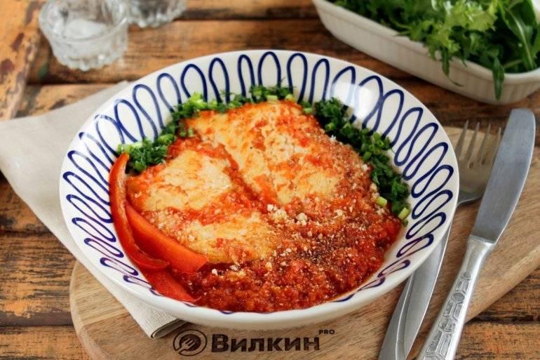 Куриная грудка с болгарским перцем и сыром в духовке - 10 пошаговых фото в рецепте