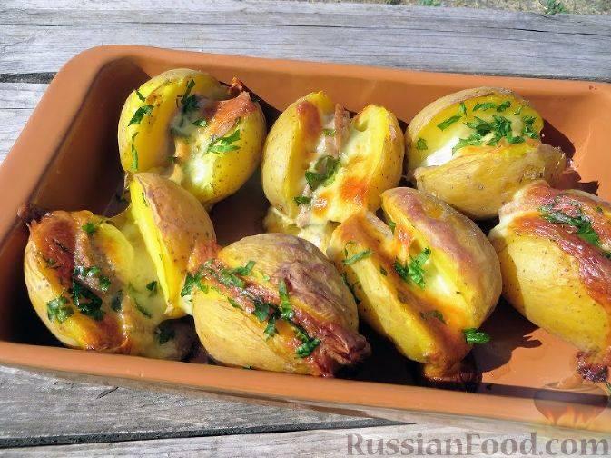 Картошка в духовке с розмарином