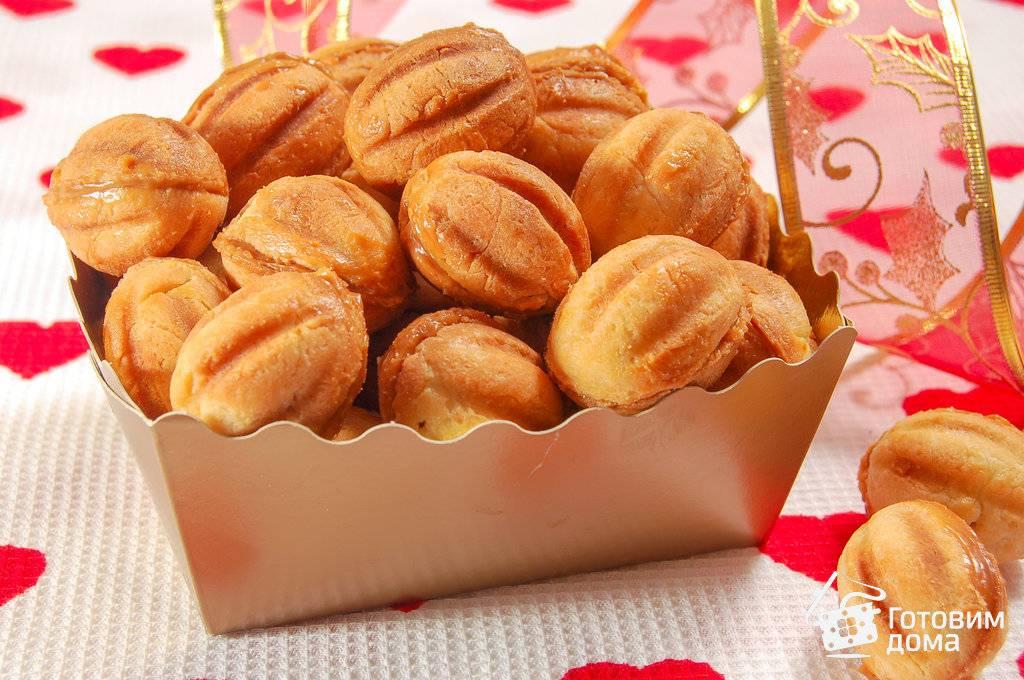 Печенье грибочки — 7 рецептов приготовления в форме на газу и без формы во фритюре и в духовке