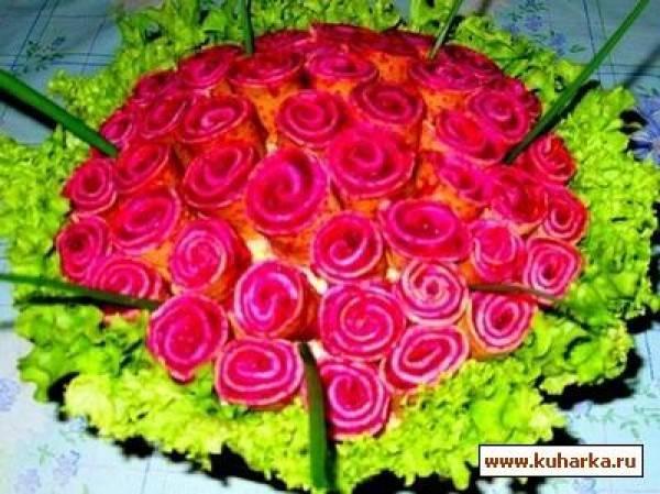 Салат с блинами «букет роз»