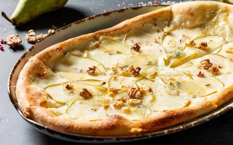 Как научиться готовить вкусную пиццу с курицей и ананасами