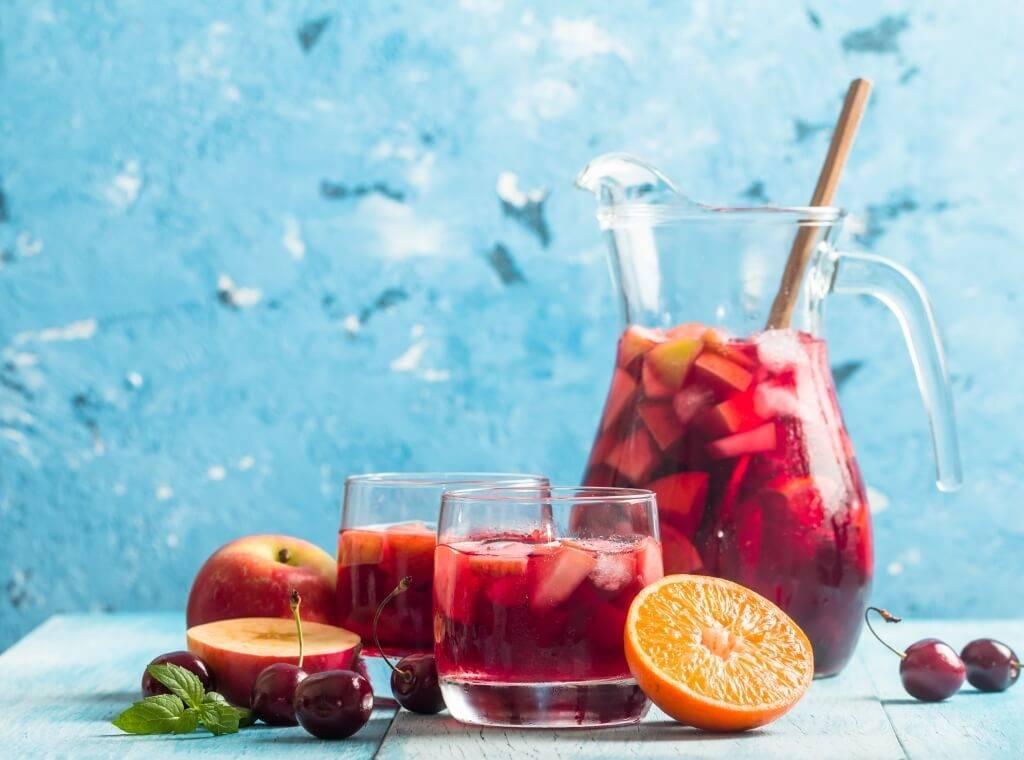 Сангрия — фруктовый коктейль на основе вина