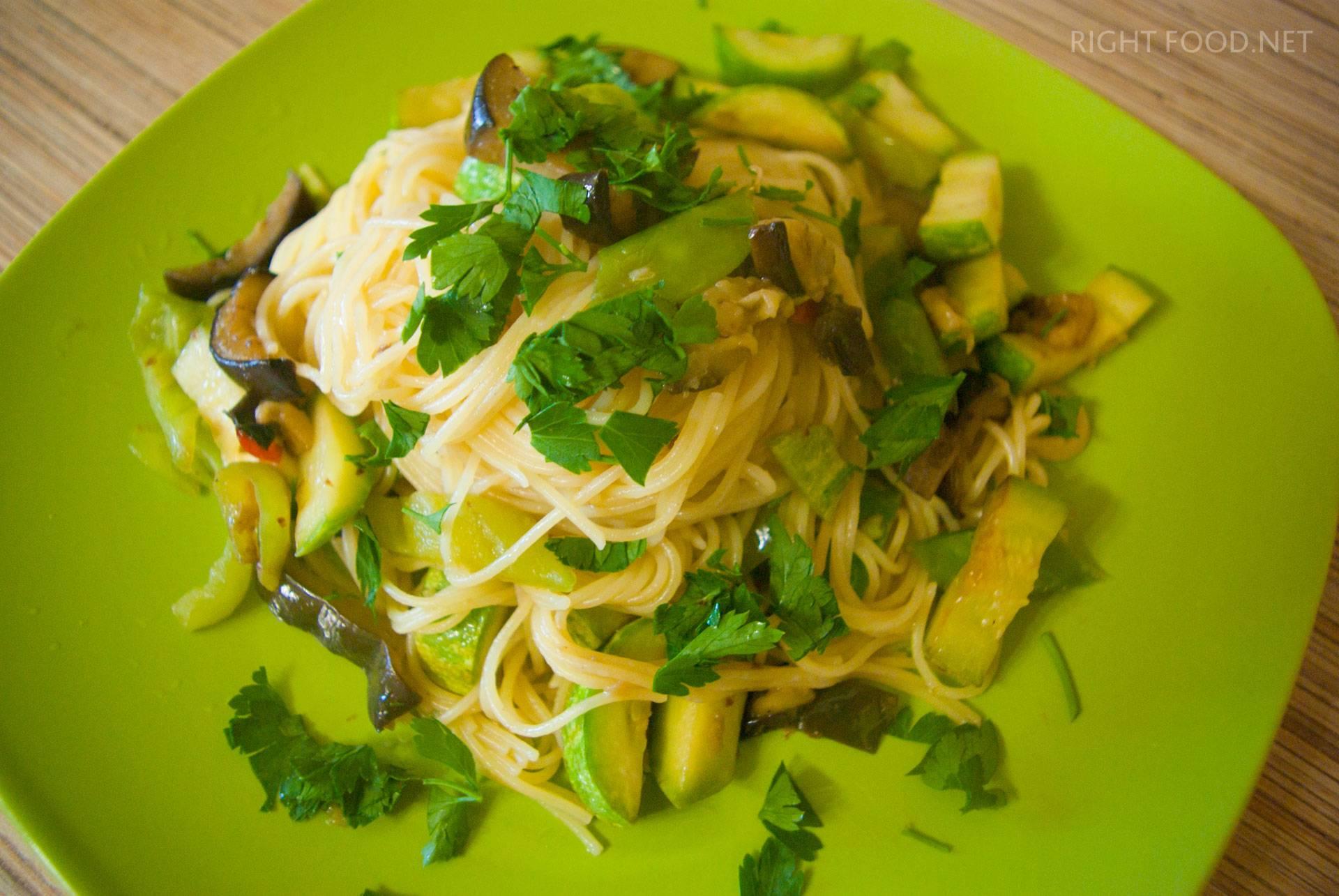 Паста с баклажанами и кабачками - 12 пошаговых фото в рецепте